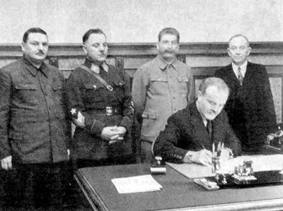 La firma del Patto Molotov - Ribbentrop
