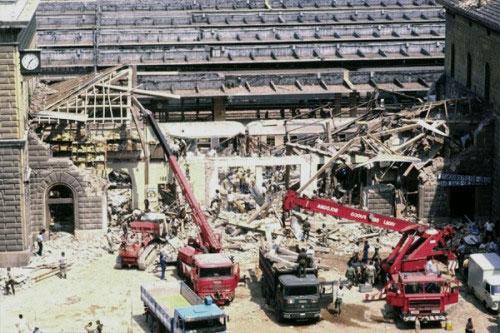 La stazione di Bologna dopo la strage del 2 agosto 1980