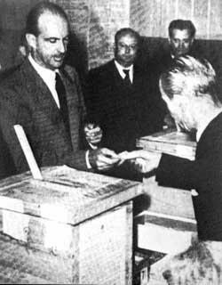 Umberto II al seggio