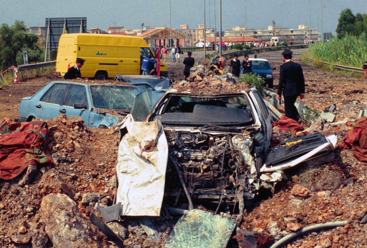 Una foto della strage di Capaci (23 maggio 1992)