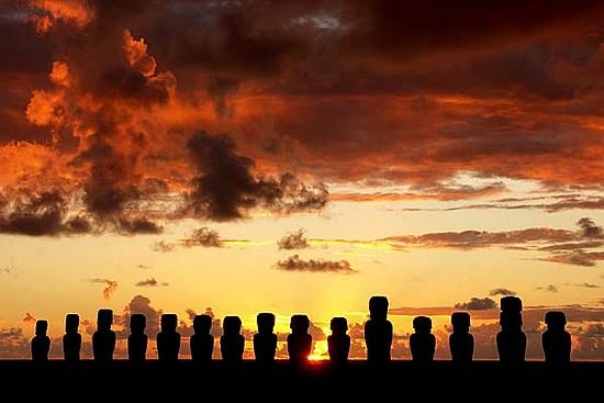 Isola di Pasqua, le statue: una foto al tramonto
