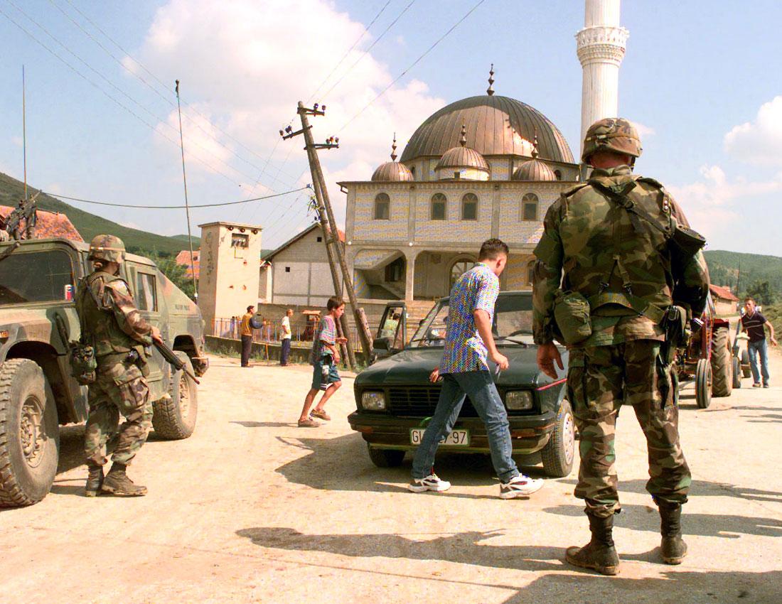 Guerra del Kosovo, foto di un checkpoint