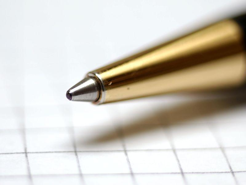Penna a sfera, biro, bic