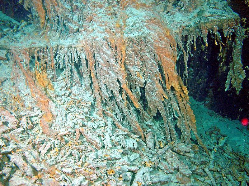 Rusticle formatisi sul relitto del Titanic