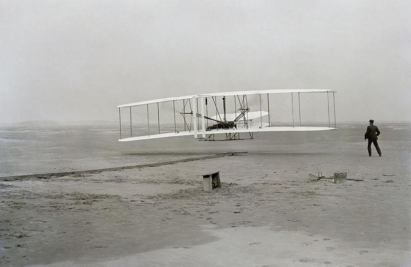 17 dicembre 1903: il primo volo del Flyer con Orville Wright ai comandi