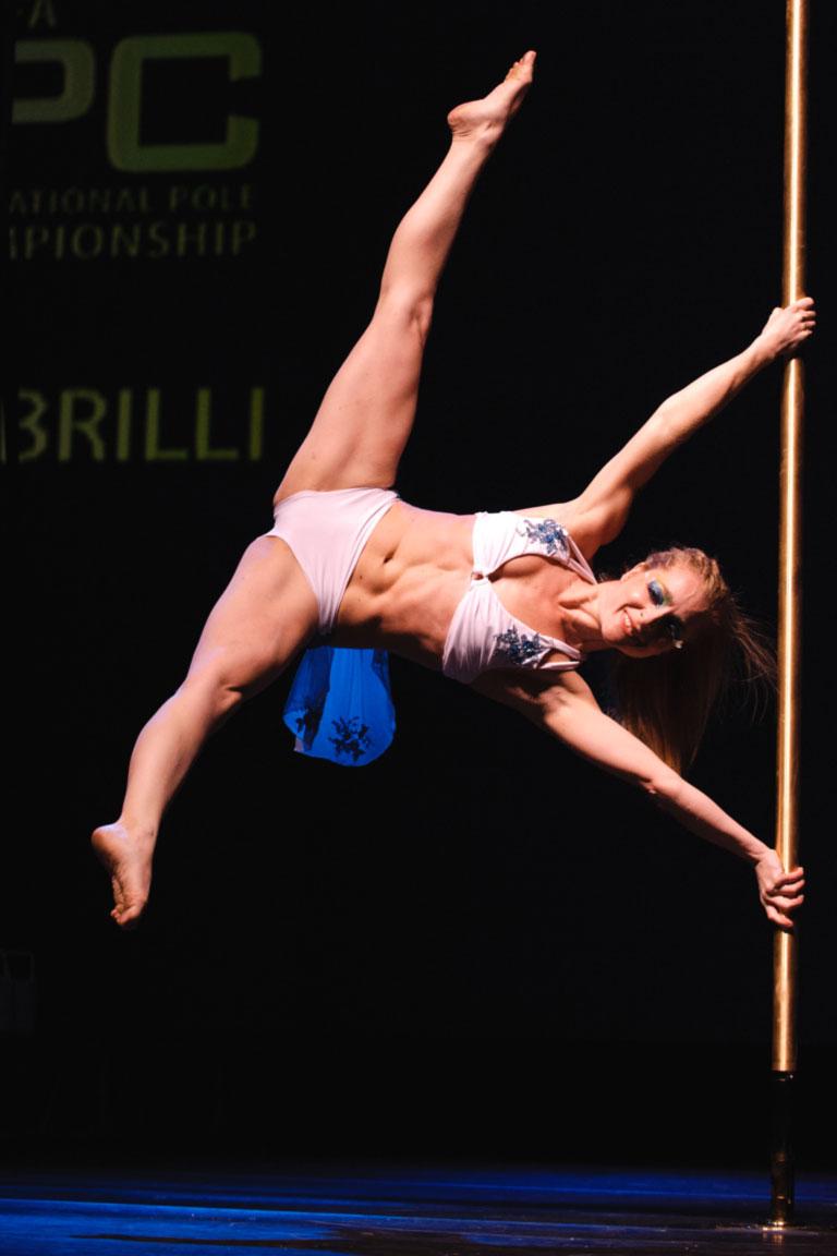 L'italiana Sara Brilli ai mondiali di Pole Dance (dicembre 2010)