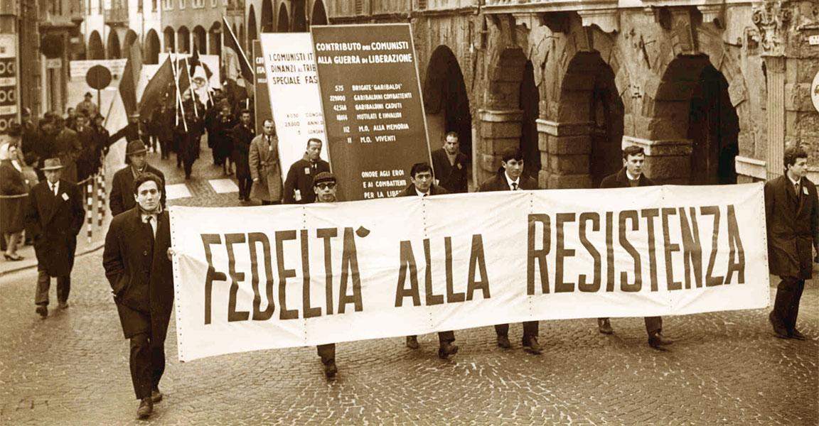 Fedeltà alla resistenza: foto da una manifestazione in occasione della Festa della liberazione (25 aprile)