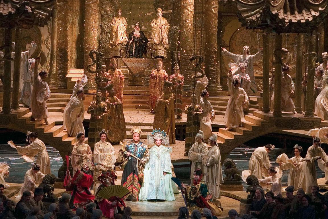 Turandot, di Giacomo Puccini: una scena tratta da una rappresentazione teatrale