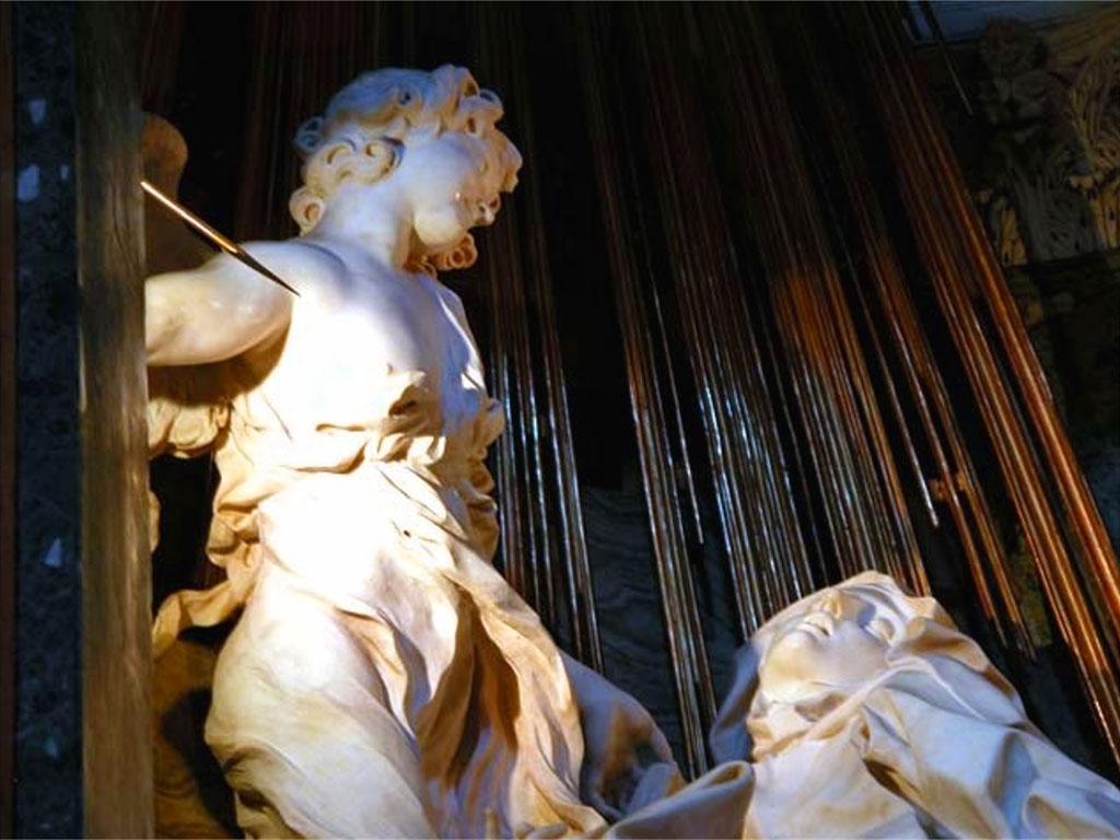 Dettaglio: l'angelo trafigge Santa Teresa con una freccia