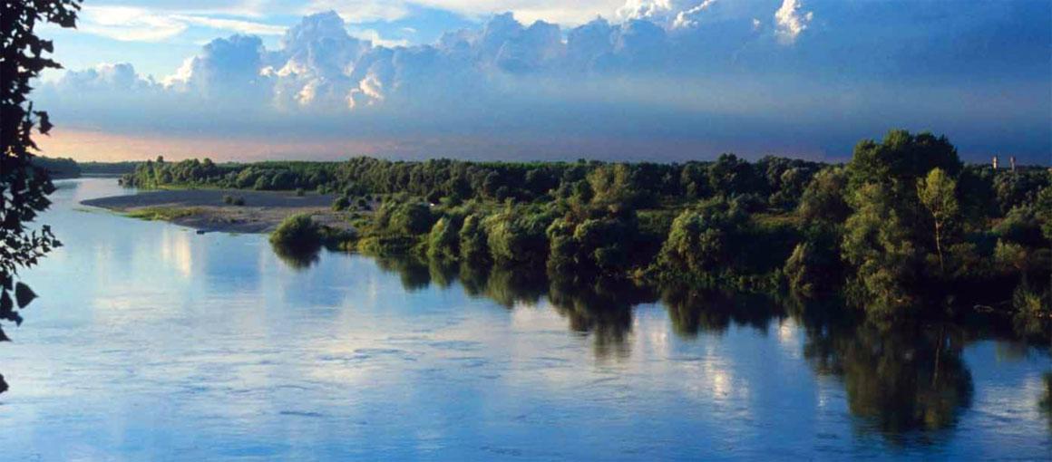 Il fiume Po visto da Piacenza