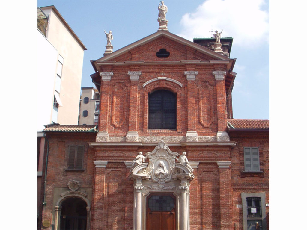 Chiesa di San Maurizio in Monza, (già chiesa di Santa Margherita), facciata sulla piazzetta di Santa Margherita