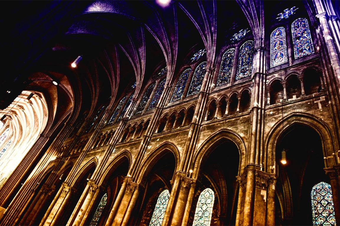 Interno della Cattedrale di Chartres (Francia)