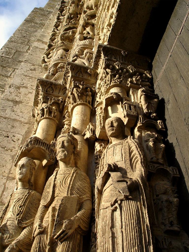 Alcune statue esterne della Cattedrale di Chartres