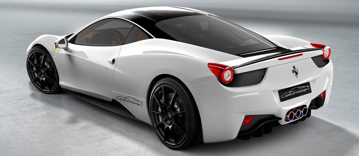 Una Ferrari colore bianco