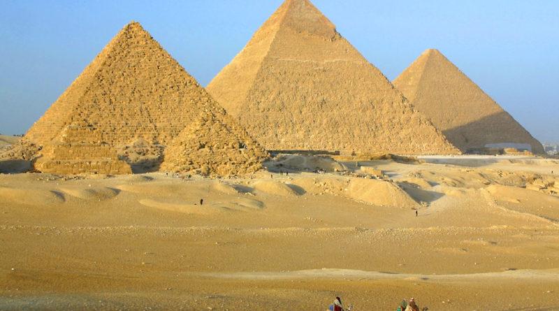 Le piramidi nella piana di Giza
