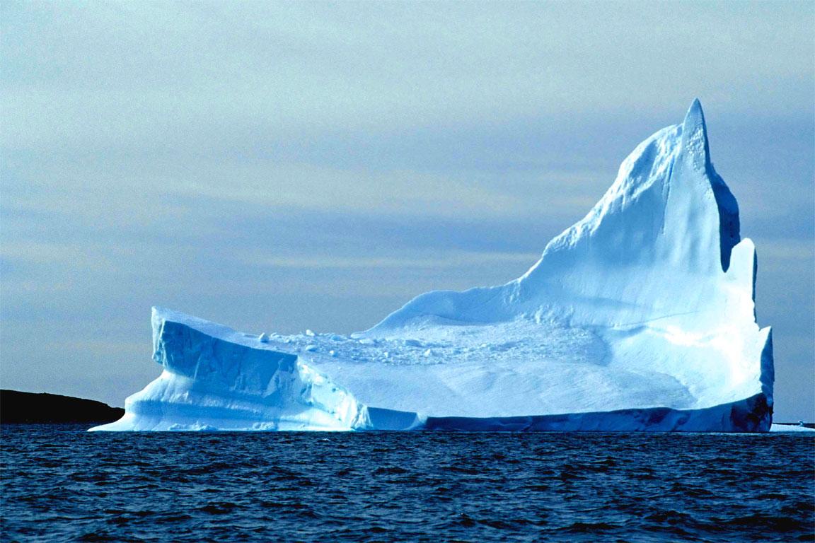 Un imponente iceberg