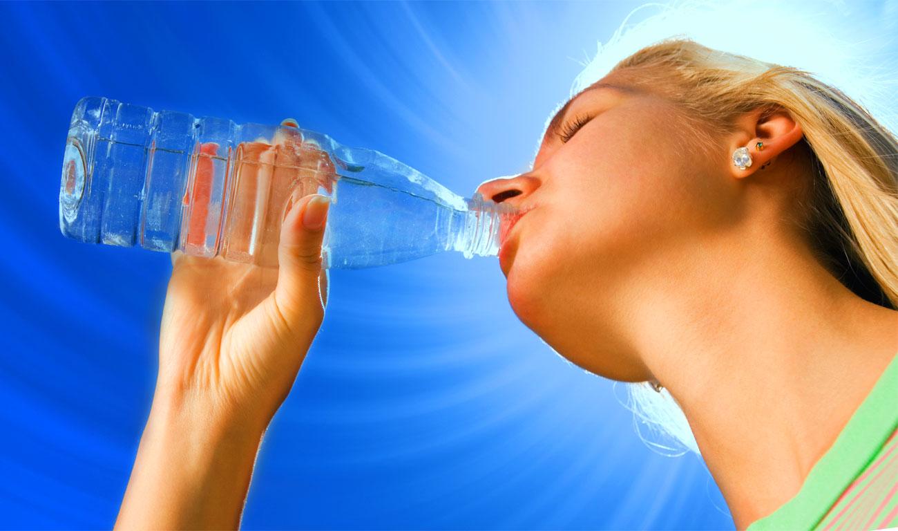 Salute: bere acqua fa bene all'organismo
