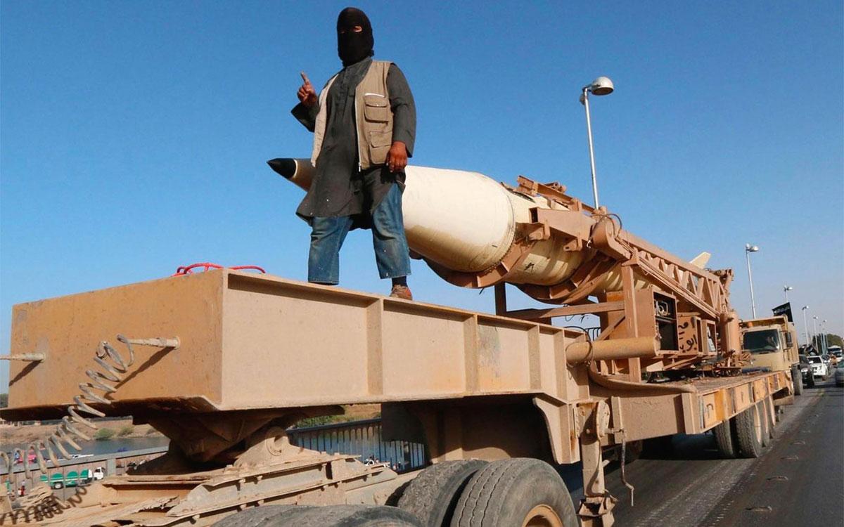 Un missile Scud in mano alle forze militari dell'Isis