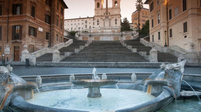 Fontana della Barcaccia - Scalina di Trinità dei Monti