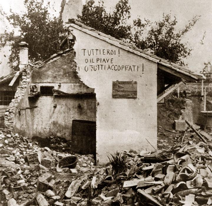 Casa con scritta patriottica - Tutti eroi - Sant Andrea di Barbarana - Battaglia del solstizio