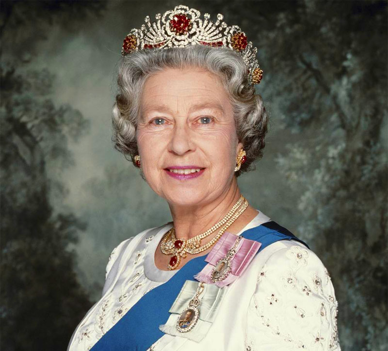 Il regno di Elisabetta II è il più longevo della storia inglese. God save the Queen.