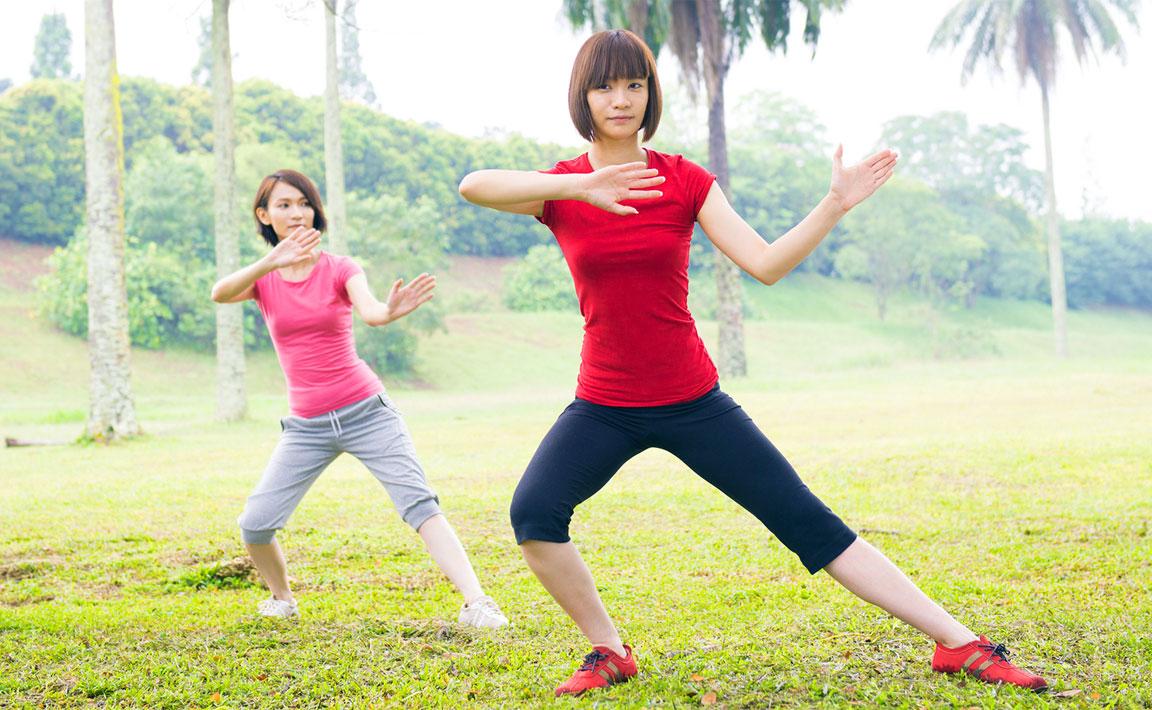 Tai-Chi - ragazze asiatiche