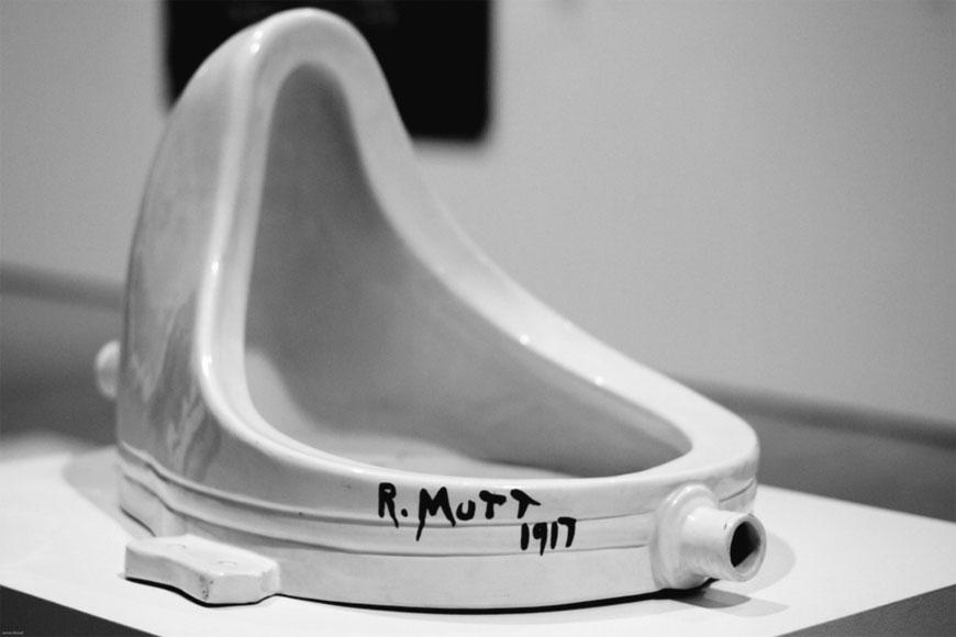 Fontana (Fountain) – L'orinatoio - opera di Marcel Duchamp, firmata come R. Mutt (1917)