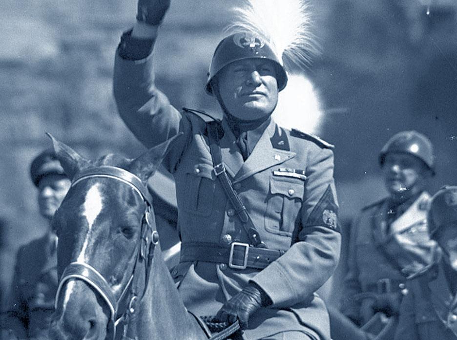 Benito Mussolini a cavallo