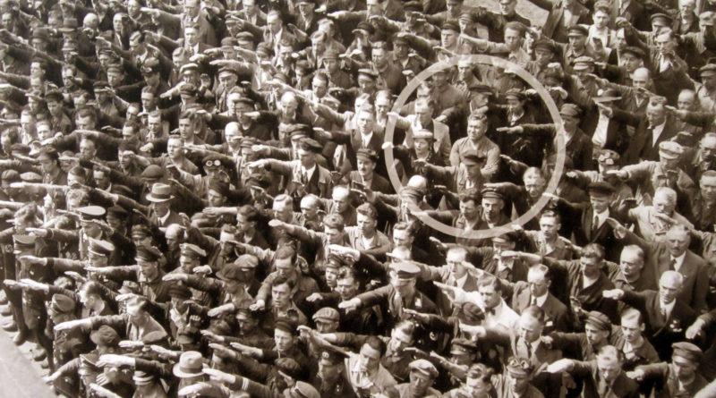Foto famosa August Landmesser - photo famous picture