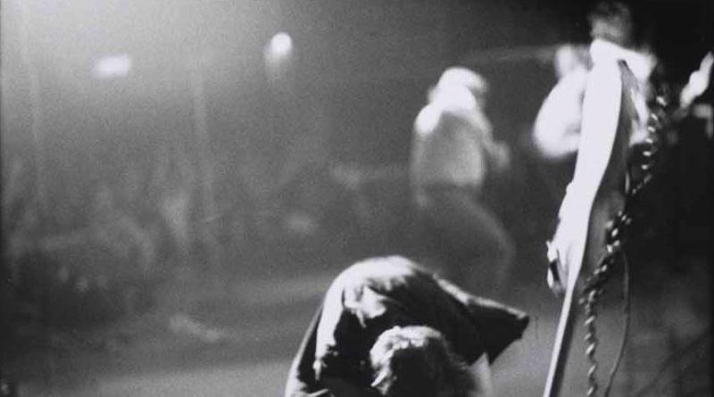 The Clash - London Calling - Famous rock photo - Pennie Smith