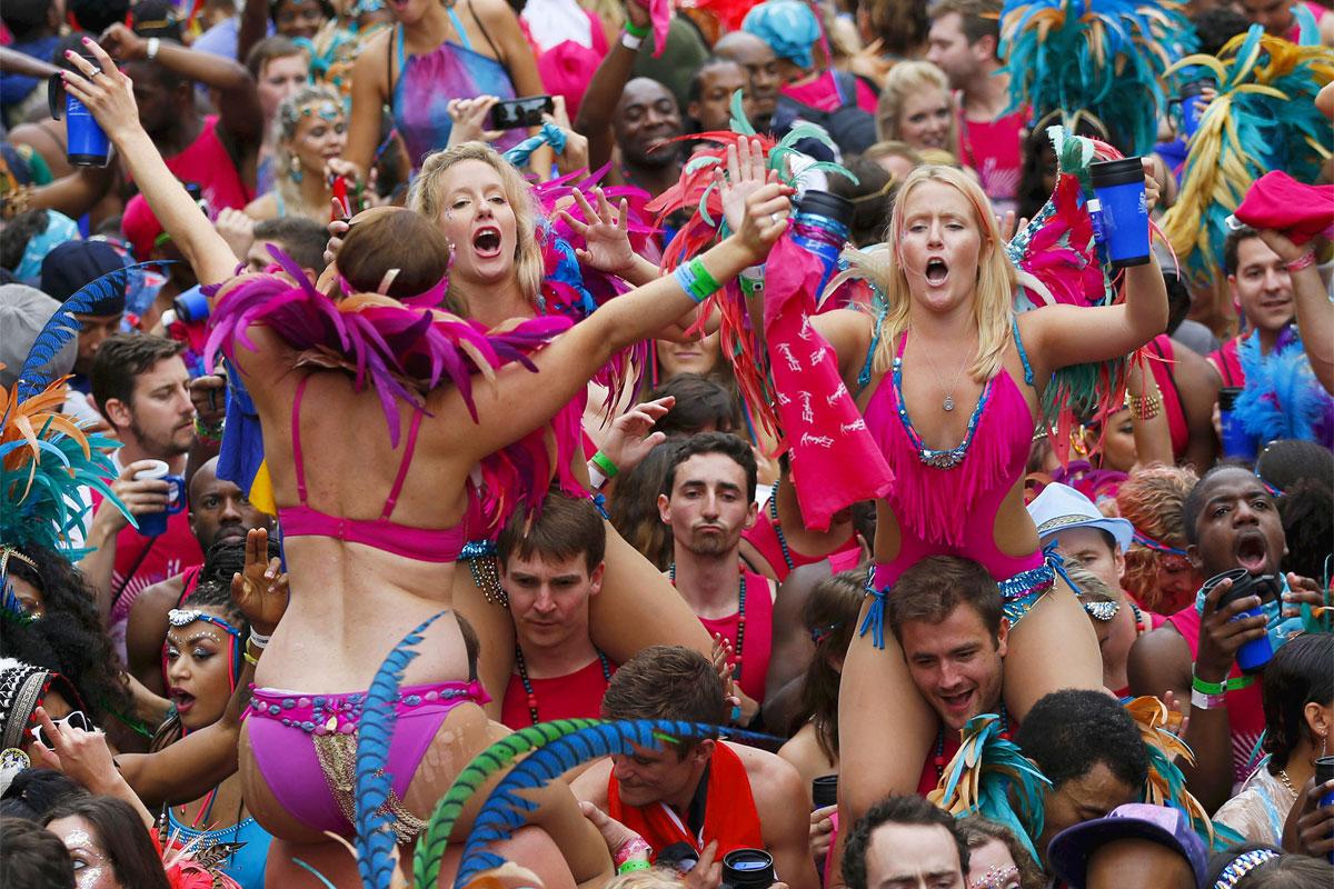 Il Carnevale di Londra, dai toni caraibici, si svolge nel quartiere di Notting Hill