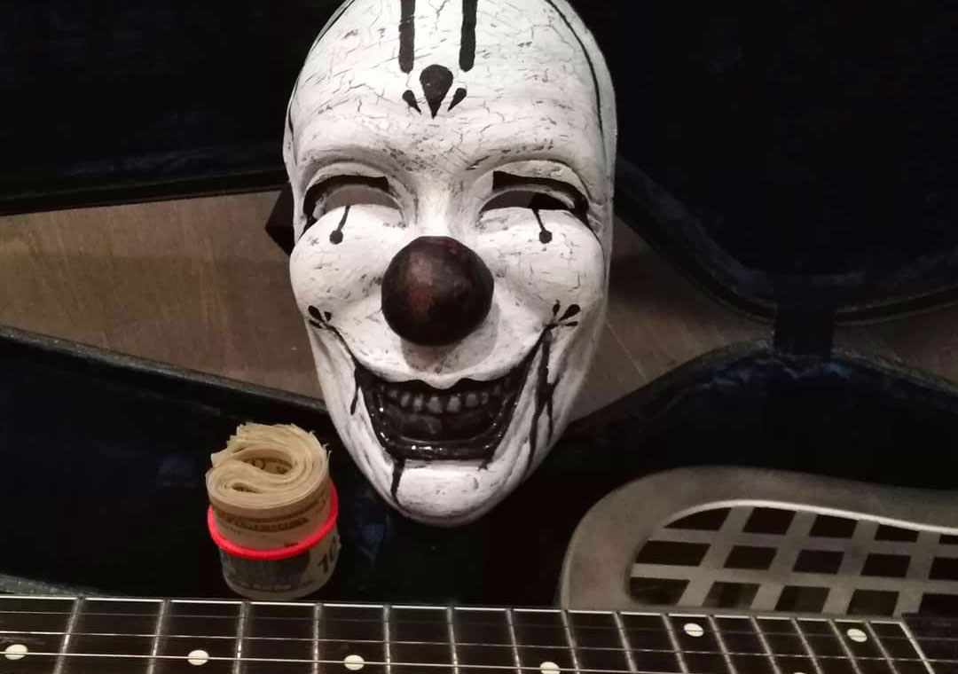 Candyboy maschera e chitarra