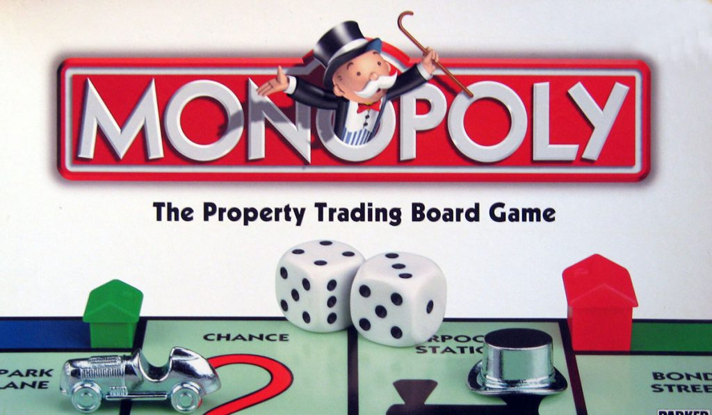 La mascotte Rich Uncle Pennybags sulla scatola del Monopoly