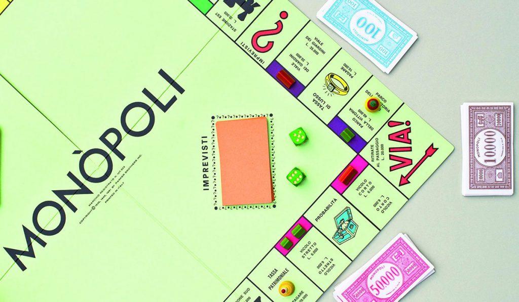 Gioco del Monopoli in italiano con i soldi in Lire