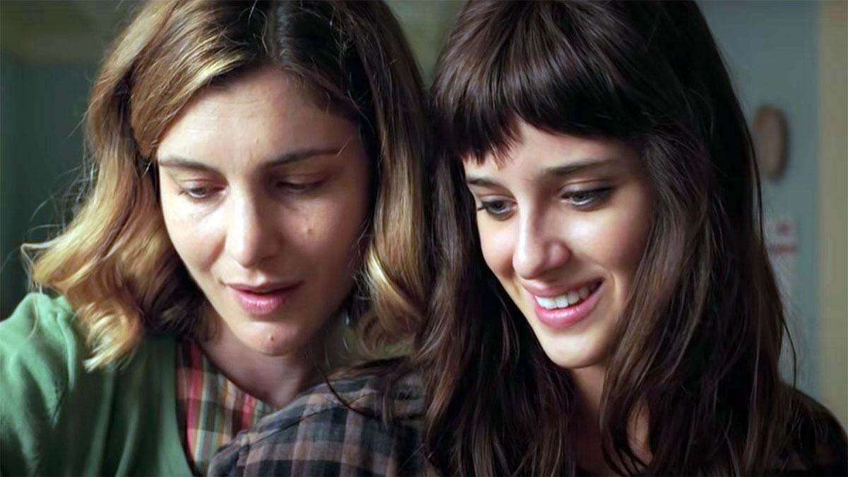 18 regali: una scena dal film con le due protagoniste Elisa e Anna