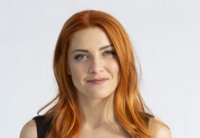 """Noemi e la sua """"Metamorfosi"""": la cantante cambia pelle e approda a Sanremo"""